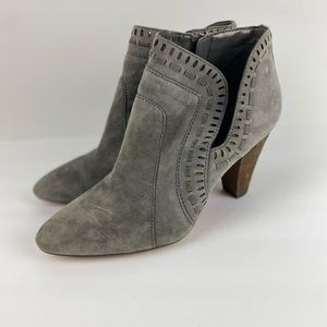 Vince Camuto Gray Suede Ankle Bootie Size 10